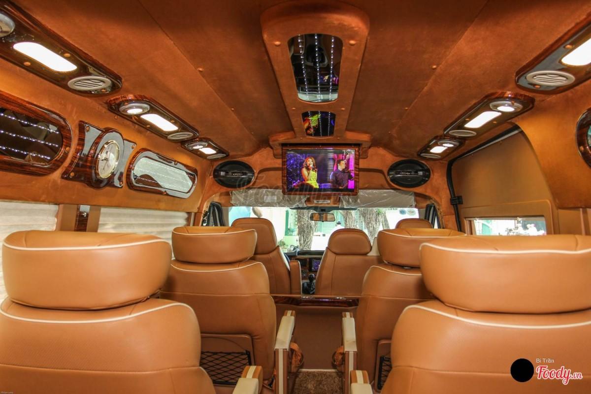 Thuê xe limousine dcar 10 chỗ