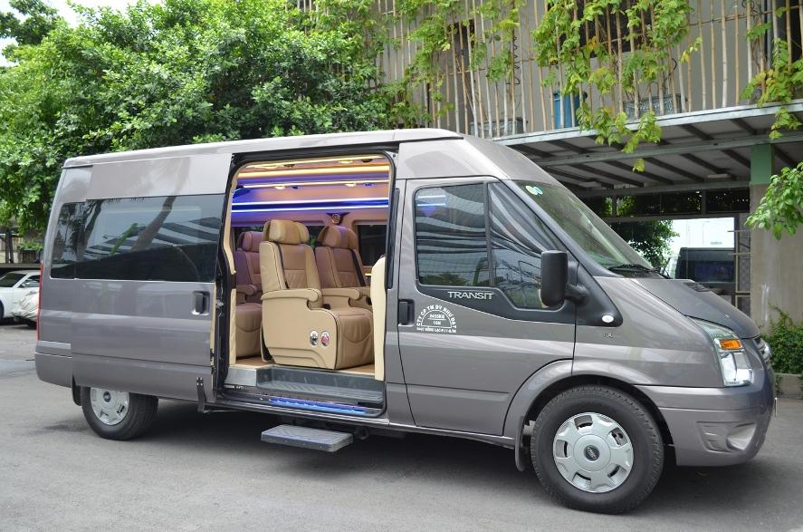 Thuê xe dcar limousine Hà Nội