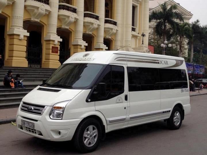 Thuê xe limousine dcar đi chơi Golf Long Biên
