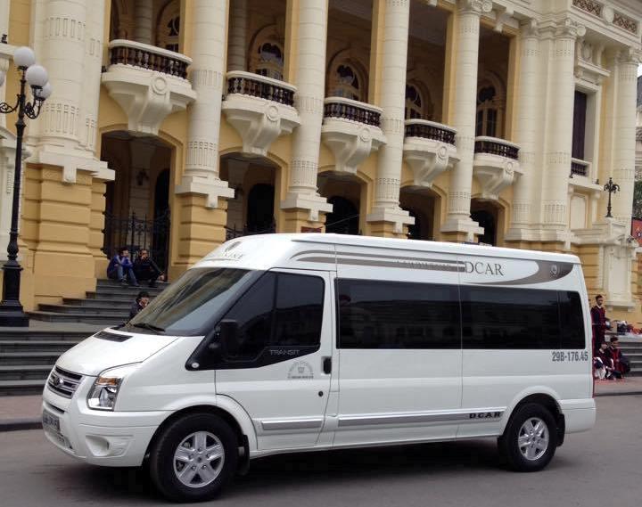 Thuê xe limousine dcar đón tiễn sân bay Nội Bài
